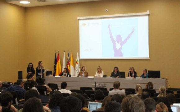 EUROFINS ANALCLINIC participa en los actos con motivo de la celebración del Día Internacional de la Mujer en la Universidad CEU Cardenal Herrera.